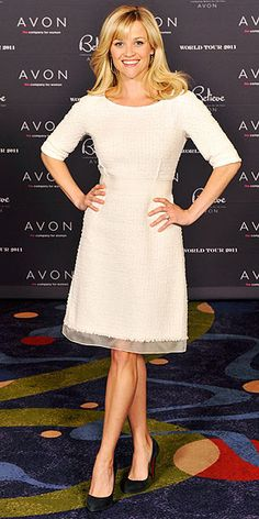 Reese Witherspoon celebrated Avons anniversary in a textured cocktail dress and black Christian Louboutin heels. Reese Witherspoon Movies, Reese Witherspoon Style, Resse Witherspoon, Star Fashion, Girl Fashion, Black Christian Louboutin, Love Her Style, Celebs, Celebrities