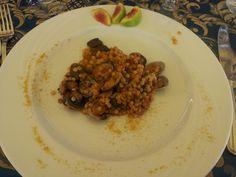Rivisitazione di un classico della cucina sarda: fregola con arselle, bottarga, peperoncino e fichi. Enjoy! #buonpranzo #specialitasarde