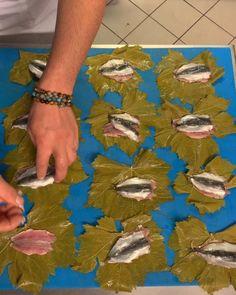 "Mehmet gezen on Instagram: ""MEHMET CHEF YORUMU İLE ASMA YAPRAĞINDA SARDALYA SİZLERLE 😍😁👍#yeninesilchef #mehmetgezen #mehmetchef  #mastercheftürkiye #sardalya"" Master Chef, Black Sea, Food, Decor, Fine Dining, Recipes, Decoration, Essen, Eten"