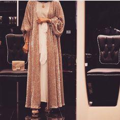 White Ivory Lace Flower Girl Dresses 2017 Tank Long Girls First Communion Dress Pagaent Dress vestidos primera comunion 2016 from Reliable dresses plus size girls suppliers on Bright Li Wedding Dress Islamic Fashion, Muslim Fashion, Modest Fashion, Fashion Outfits, Hijab Evening Dress, Hijab Dress, Abaya Designs, Modest Wear, Modest Outfits