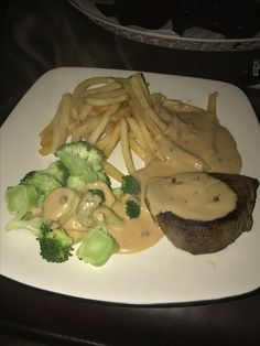 A German classic. Fillet mignon with Pom frites and a peppercorn sauce.