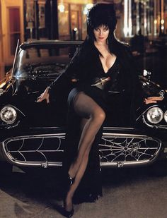 Cassandra Peterson,Elvira Mistress of the Dark. Loved watching he large not B horror movie show Cassandra Peterson, Beltane, Car Girls, Pin Up Girls, Steam Punk, Dark Beauty, Classic Beauty, Gothic Beauty, Hot Cars