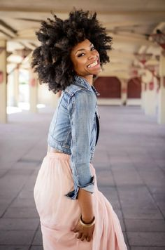 "Affordable luxury 100% virgin hair starting at $65/bundle in the USA. Achieve this look with our luxury line of Malaysian Afro Kinky hair extensions, available in lengths 10"" - 28"". www.vipextensionbar.com email info@vipextensionbar.com"