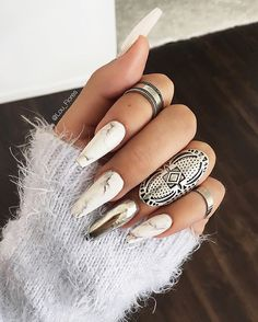 ◻️Marble | Silver Nails◻️ I'm obsessed are you guys?!. Tag your friends and comment. ✨Nails by @novanailsinc✨ #nails#marble#silver#rings