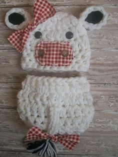 Baby Cow Hat and Diaper Cover Set Crocheted Farm Animals Photo Props Newborn need to figure this one out! Crochet Baby Props, Crochet Photo Props, Crochet Baby Cocoon, Newborn Crochet, Crochet For Kids, Crochet Crafts, Yarn Crafts, Sewing Crafts, Knitting Projects