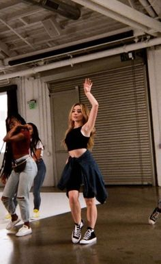Sabrina Carpenter Outfits, Academia Fitness, Girl Meets World, Famous Girls, Celebs, Celebrities, Woman Crush, Girl Crushes, Pretty People