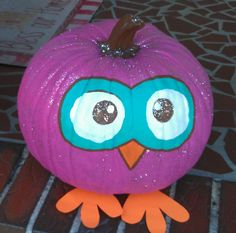 she has a few fininshing touches Dyi Crafts, Fall Crafts, Christmas Crafts, Crafts For Kids, Halloween Projects, Halloween Kids, Halloween Pumpkins, Owl Pumpkin, Pumpkin Ideas