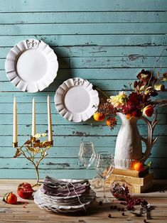 Love the generic plates—beautiful & could be used for any occasion—therefore, efficient & economical entertaining.