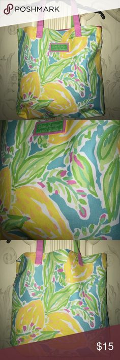 Lilly Pulitzer for Estée Lauder tote Great beach bag! Like new. Very cute print! Lilly Pulitzer Bags Totes