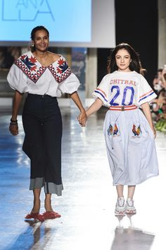 Stella Jean Spring 2020 Ready-to-Wear Fashion Show Collection: See the complete Stella Jean Spring 2020 Ready-to-Wear collection. Look 36 African Inspired Fashion, Africa Fashion, 2020 Fashion Trends, Fashion 2020, Vogue Paris, Diesel Dresses, African Print Dresses, African Prints, African Fabric