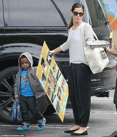 Sandra Bullock and Her Son | Budding artist: Sandra Bullock picked up her son Louis from school ...