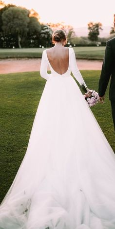 White bride dresses. Brides dream of having the ideal wedding, however for this they require the best wedding gown, with the bridesmaid's dresses enhancing the brides-to-be dress. These are a few tips on wedding dresses.