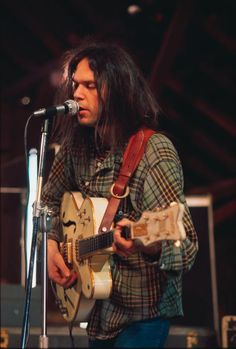 Neil Young, Harvest sessions w. White Falcon geetar.