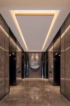 38 Modern Ceiling Design Ideas - When you want to create unique ceiling designs, rope crown molding is perfect for any home. This type of crown molding can add style and class to any . Simple Ceiling Design, House Ceiling Design, Ceiling Design Living Room, Bedroom False Ceiling Design, Home Room Design, Home Ceiling, Roof Design, House Design, Down Ceiling Design