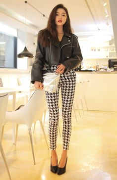 Oversized leather crop jacket with high-wasited houndstooth pant. Classy and chic!