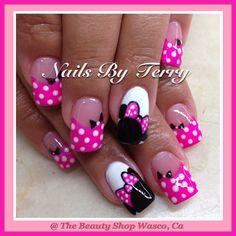 Minnie gel nails for Nisah Fabulous Nails, Gorgeous Nails, Love Nails, Fun Nails, Pretty Nails, Minnie Mouse Nail Art, Mickey Mouse Nails, Disney Nail Designs, Nail Art Designs
