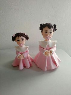 Ateliē da Meuri Menininhas de biscuit para decoração de batizado.
