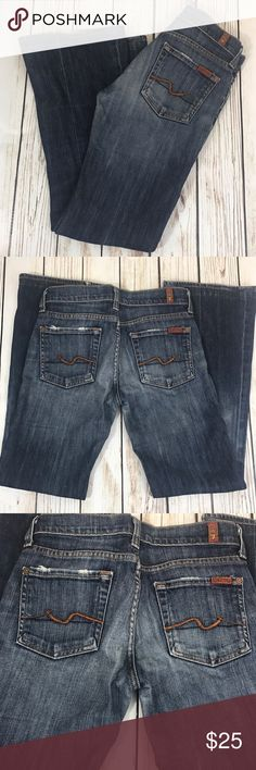 """7 For all Mankind Jeans Flare Women's Great jeans worn in just for you 😁 ⏬description continues below  *Condition: lovingly worn fraying on pocket rims and bottom legs. Significant wear between legs crotch area a flaw -no hole Pilling on back of Pants pockets & butt area  *Size: 25  *Material:98% cotton 3% Lycra   *Approx Measurements: LENGTH 36"""" INSEAM 28"""" RISE 7.5"""" WAIST 27""""  🛍Shop with confidence  ◽️SUGGESTED USER  📫FAST SHIPPING  💵BUNDLE DEALS JUST ASK ✅OUT CLEARANCE DEALS 🚭SMOKE…"""