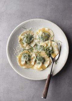 simple spinach ravioli....IN CASE YOU DIDN'T KNOW I LOVE SPINACH RAVIOLI