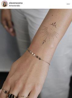 Danty Tattoos, Diskrete Tattoos, Tattoos Bein, Kritzelei Tattoo, Nape Tattoo, Kunst Tattoos, Red Ink Tattoos, Cover Tattoo, Mini Tattoos