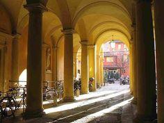 Bologna la citta dei portici