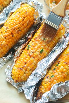 Baked Corn On Cob, Oven Roasted Corn, Oven Baked Corn, Corn In The Oven, Corn Oven, Corn In The Cob, Roast Corn In Oven, How To Roast Corn, Homemade Garlic Butter