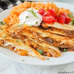 BBQ Pulled Pork Quesadillas Are A Quick And Easy Meal Your Whole Family Is Going To Love! Fall Off The Bone Ribs Recipe, Pulled Pork Quesadilla, Ribs Recipe Oven, Bbq Pork, Bbq Ribs, How To Cook Ribs, Smoked Beef Brisket, Gourmet Cupcakes, Enchilada Recipes