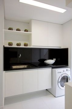 Totally loving a black splashback for my laundry! All white laundry with black glass splashback. Laundry Room Cabinets, Laundry In Bathroom, Laundry Rooms, Interior Design Living Room, Living Room Designs, Black Splashback, Herringbone Backsplash, Black Backsplash, Granite Backsplash