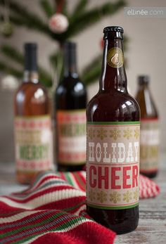 FREE printable holiday bottle labels. Would be so cute on Rootbeer or Coca Cola bottles for neighbors!