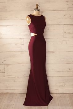 Long burgundy evening dress with cut-out waist - Evening maxi fitted wa . Robe longue soirée bourgogne découpes taille ajustée – Evening maxi fitted wa… Burgundy long evening dress with cut-out waist – Evening dresses cut-outs solid burgundy dress Burgundy Maxi Dress, Burgundy Evening Dress, Cute Dresses, Beautiful Dresses, Prom Dresses, Formal Dresses, Robes Glamour, Womens Workout Outfits, Dress Cuts