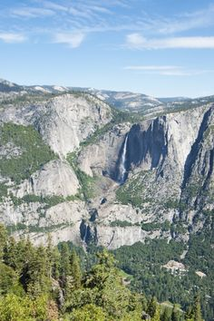 Hiking Yosemite - Yosemite Falls -  Read more on: www.daysontheroad.be