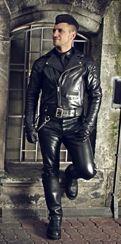 I love Leather Gay