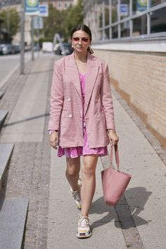 All the Must-See Street Style Looks From Copenhagen Fashion Week Spring 2020 – Daily Fashion Cool Street Fashion, Paris Fashion, Fashion Photo, Spring Fashion, Women's Fashion, Copenhagen Street Style, Copenhagen Fashion Week, Spring Street Style, Street Style Looks