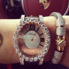 Sự kết hợp quá hoàn hảo của vòng tay Shamballa Jewels với đồng hồ Chopard