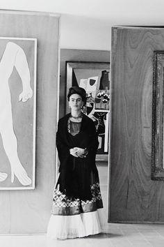 ... Manuel Alvarez Bravo, Frida Kahlo at the Picasso Exhibition, Mexico  City, 1944 ...