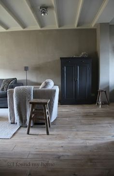 I found my home Country Interior, Home Interior, Interior And Exterior, Interior Design, Faux Wood Tiles, Living Room Decor Inspiration, Corner House, Living Styles, Minimalist Living