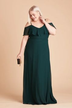 Introducing Birdy Grey's new plus size bridesmaid dresses, now available in size inclusive, true plus sizes ranging from - Discover floor length chiffon bridesmaid gowns in body positive cuts to flatter women of all shapes and sizes. Emerald Green Bridesmaid Dresses, Bridesmaid Dresses Under 100, Emerald Green Dresses, Affordable Bridesmaid Dresses, Bridesmaid Dresses Plus Size, Bride Dresses, Wedding Bridesmaids, Prom Dresses, Convertible Dress