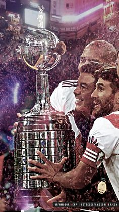 imagenes-de-river-plate-para-telefono-celular-fondos-de-pantalla-wallpaper-de-river-gallardo ponzio copa libertadores 2018 Escudo River Plate, Dog Days Are Over, Messi, Plates, World, Instagram, Carp, Champions League, Avengers