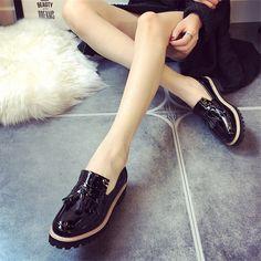 Moda primavera 2016 para mujer Oxfords zapatos Slip On de la borla de cuero  de imitación Oxfords para mujeres Casual Comfort zapatos de las para mujer(China  ... 8c7348470b01