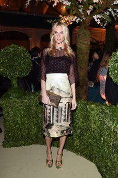 Poppy Delevingne en Dolce & Gabbana http://www.vogue.fr/mode/red-carpet/diaporama/les-looks-du-mois-de-mars-des-podiums-a-la-realite/18163/image/990616