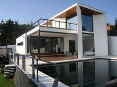 Villa de diseño en Cabopino - Marbella. 750 m2, 4 hab, 3 baños. Vistas al mar. Design villa in Cabopino - Marbella. 750 m2, 4 bedrooms, 3 baths. Sea view. 1.100.000 €