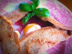 Bretaňské galettes aneb slané palačinky z pohankové mouky Eggs, Breakfast, Food, Morning Coffee, Essen, Egg, Meals, Yemek, Egg As Food