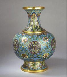 CLOISONNÉ VASE, China, Qing Dynasty, Qianlong period (1736-1795