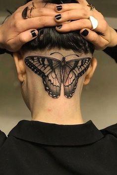 Incredible Head Tattoos for Females - Tattoos for Girls Scalp Tattoo, Nape Tattoo, Tattoo Hals, Head Tattoos, Piercing Tattoo, Body Art Tattoos, Girl Tattoos, Tattoos For Guys, Tattoo Ink
