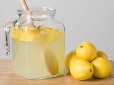 #Limonade selber machen. Super #Rezept, wer es süßer mag, erhöht die Zuckermenge einfach. Kann man auch mit Limetten machen, dann aber 4-5 nehmen.