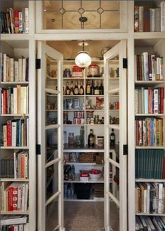 This would be perfect if the book shelves - for cook books - were reversed (and on the inside of the pantry)