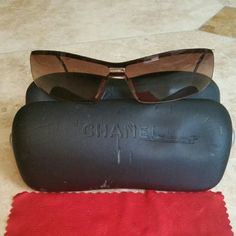 Chanel Sunglasses CHANEL STYLE # 4043 BRONZE COLORED LENS/ GOLD HARDWARE  BEEN WORN / LOTS OF LOVE LEFT / SOME SCRATCHES ON THE LENS BUT VERY WEARABLE!  SO CUTE /GREAT STYLE Comes with case and cleaning cloth! Chanel  Accessories Sunglasses