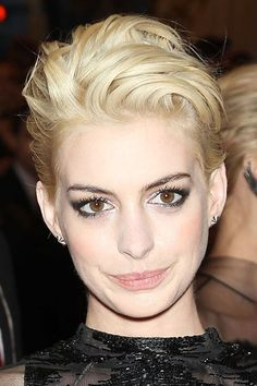 Quiff Crop - Celebrity Hairstyle Ideas – Anne Hathaway New Hair (houseandgarden.co.uk)