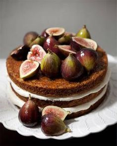 """""""naked cakes"""", with fruit and flowers... I like this idea.. vg"""