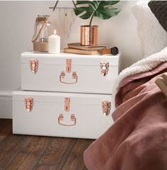 Pretty old white and rose gold vintage trunk set